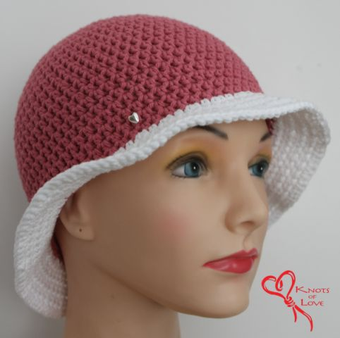Crocheting Hats For Cancer Patients : of Love , makes two types of caps for chemotherapy patients - caps ...